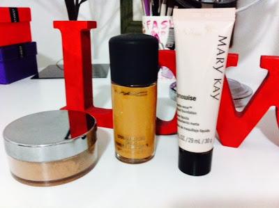 Maquiagem Feminina   Kit Básico para Sua Necessaire Base Líquida ou Base em Pó