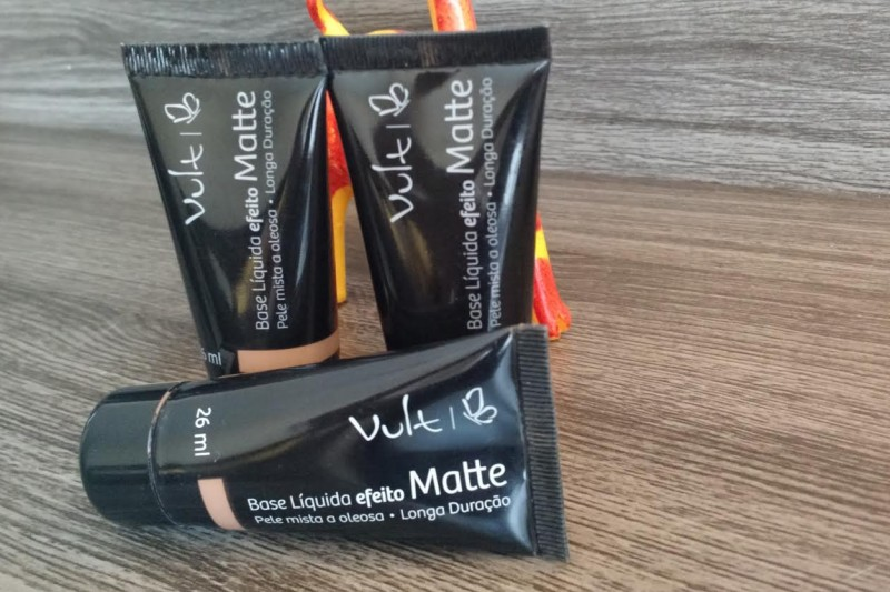 Maquiagem Feminina   Base Efeito Matte Vult Post